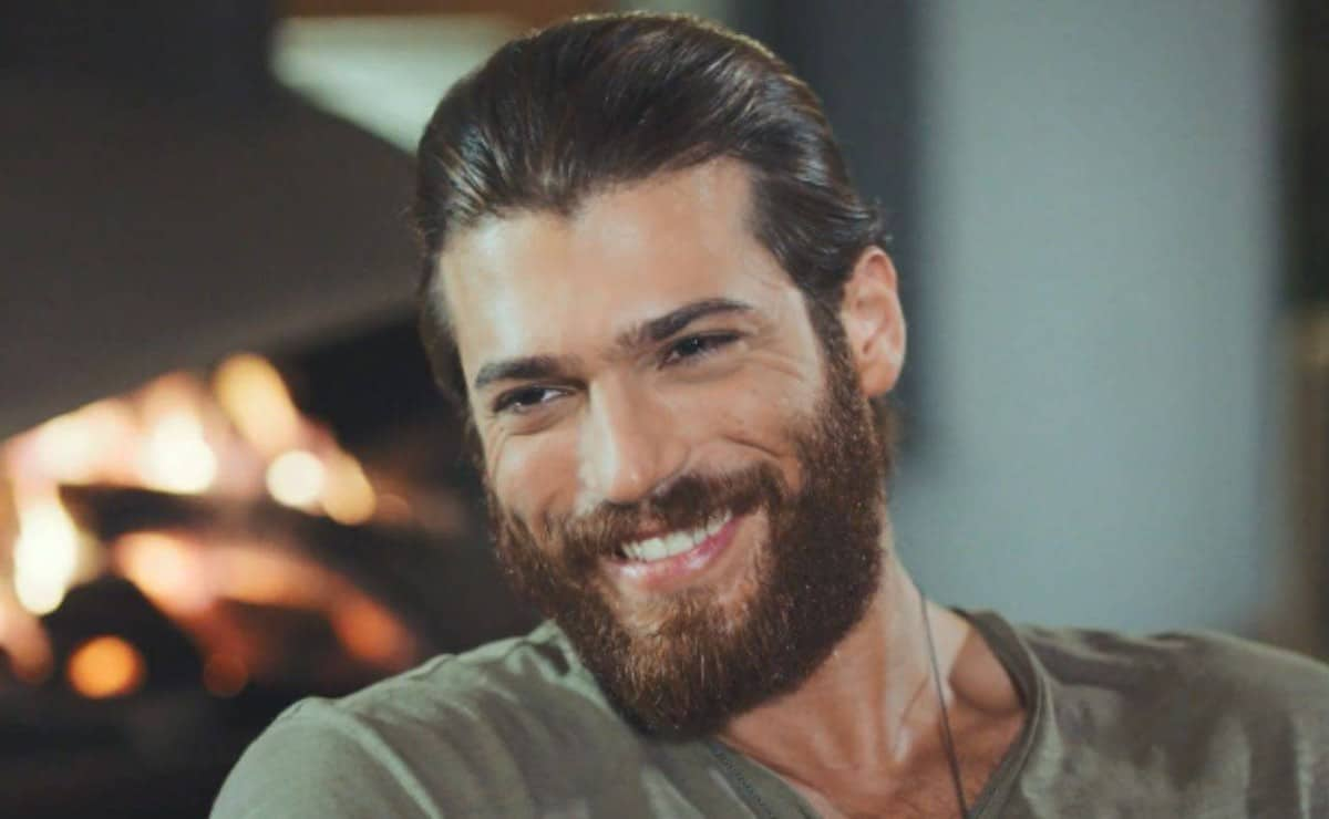 Can Yaman ospedale